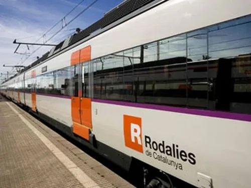Los trenes de Ferrocarriles de la Generalitat de Catalunya se abastecerán totalmente de energía solar en 2021