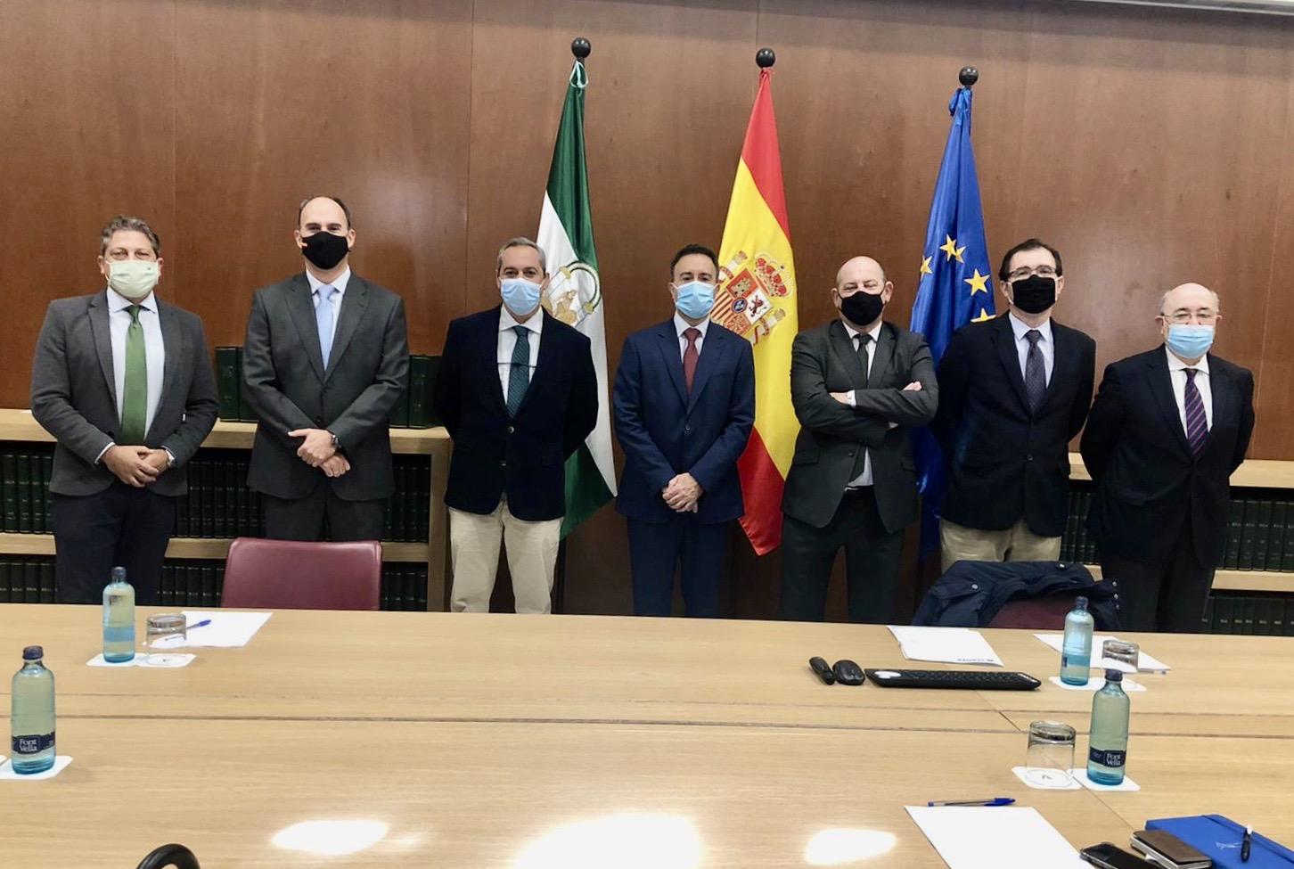 CLANER traslada a la Junta la necesidad de mayor personal en la Administración andaluza para afrontar el impulso de las renovables en la región
