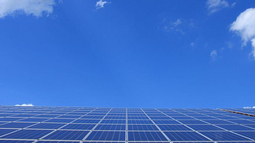 La transición energética eleva la importancia del bróker en el modelo de protección de las plantas fotovoltaicas