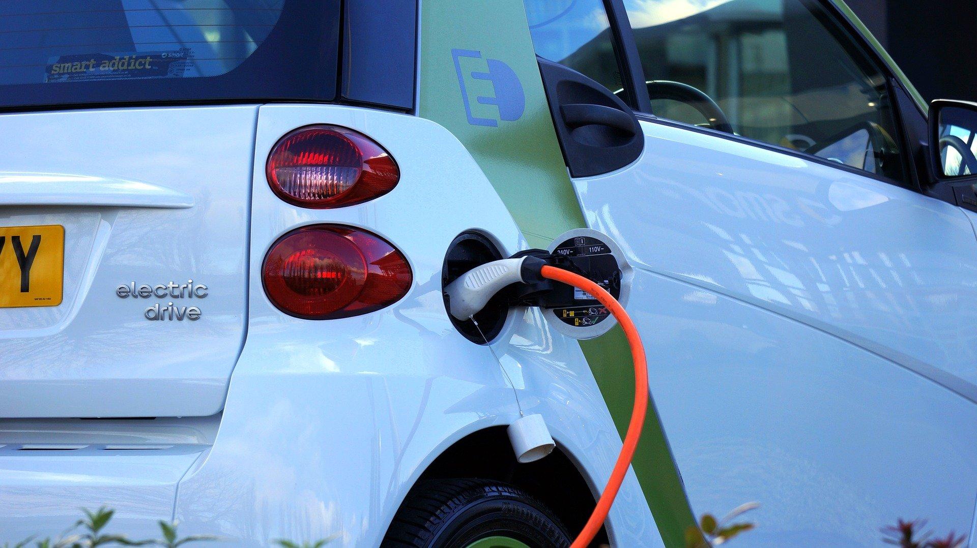 El Ayuntamiento de Madrid confía a AGREMIA la gestión de las ayudas para la instalación de casi 2.000 puntos de recarga para el vehículo eléctrico