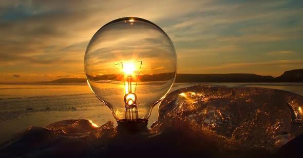 Trucos para ahorrar en la factura de la luz este verano