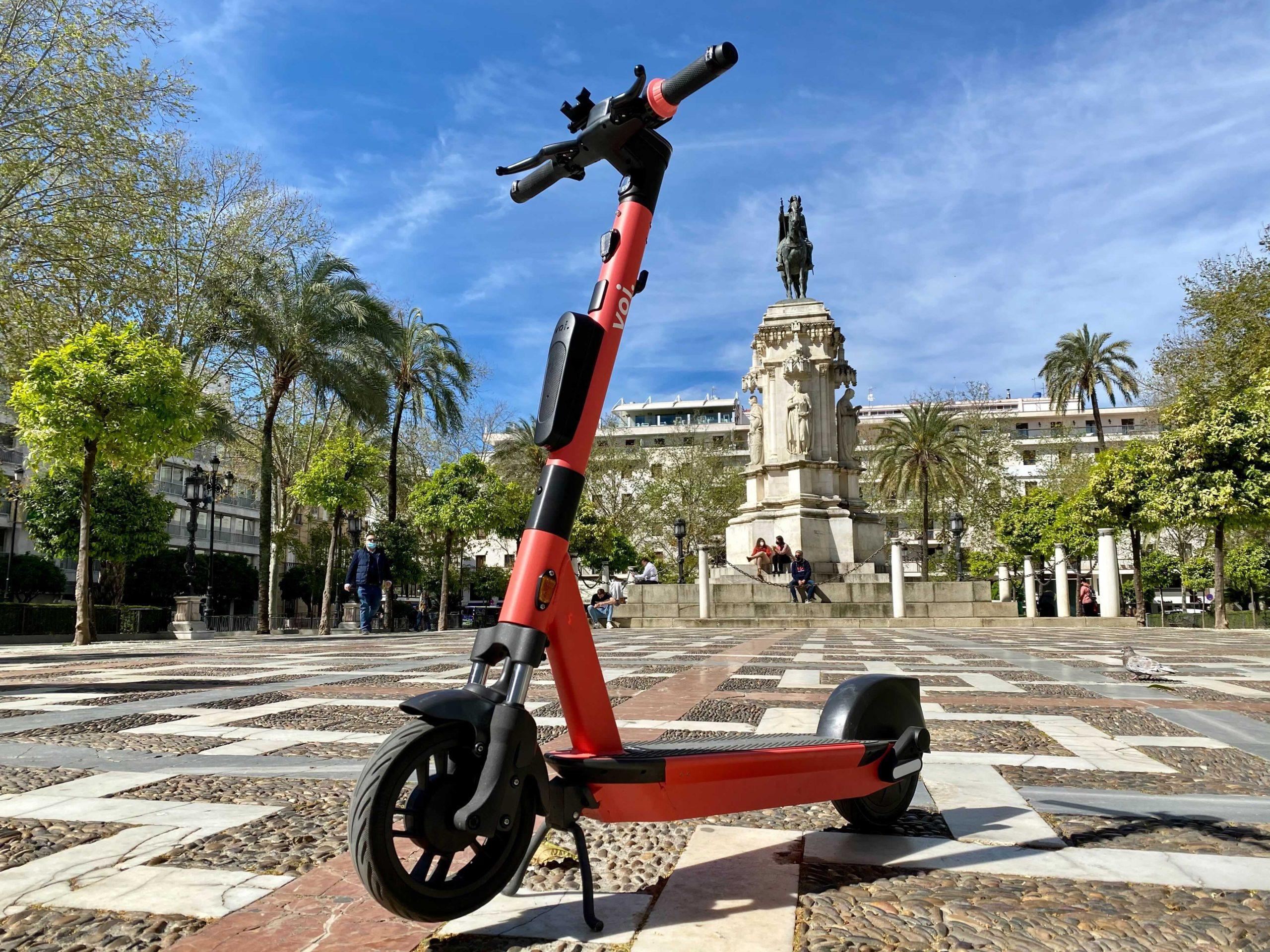 Torre Sevilla y Voi Technology celebran la Semana de la Movilidad con un evento de seguridad centrado en los patinetes
